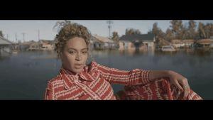 Beyoncé tung MV không báo trước khiến fan ngỡ ngàng