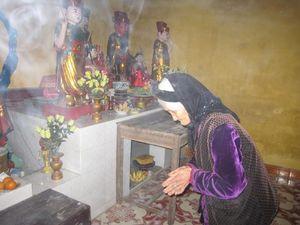 Sáng mùng 1 đi lễ chùa để cầu sức khỏe