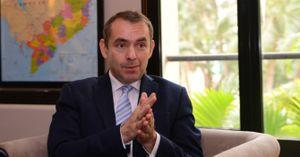 Đại sứ Pháp chúc Tết báo BizLIVE