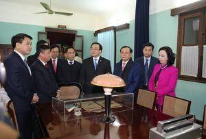 Bí thư Thành ủy Hà Nội dâng hương tưởng nhớ Chủ tịch Hồ Chí Minh