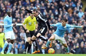Man City rầu lòng với chấn thương của Silva
