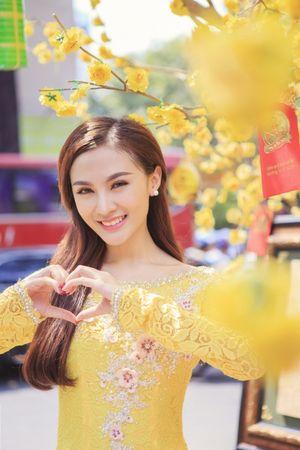Hot girl Kelly tình tứ bên hot boy Namhee dịp Tết Bính Thân