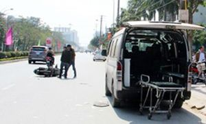 Gây tai nạn chết người, ô tô chạy trốn khỏi hiện trường