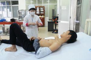 Kinh hoàng 6 người nhập viện sáng mùng 1 Tết vì pháo hoa nổ 'hỗn'