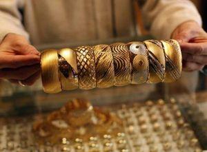 Giá vàng chạm mức cao nhất kể từ tháng 6/2015