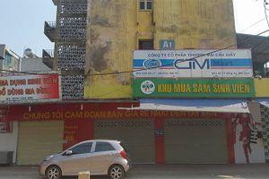 Mùng 2 Tết: Hàng loạt siêu thị tiếp tục cửa đóng then cài