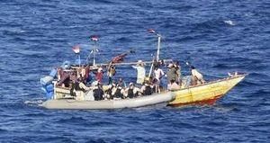 Tàu cao tốc chìm tại Campuchia: 6 du khách Việt thoát nạn