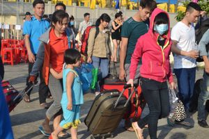 'Tết sum vầy' năm 2016 tại Đồng Nai: Hàng nghìn công nhân háo hức về quê đón tết Công nhân háo hức về quê