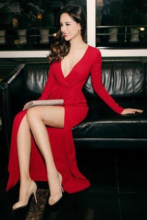 22 chiếc váy đỏ nồng nàn của mỹ nhân Việt đầu xuân