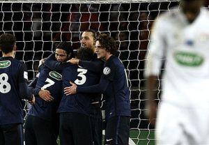 Ibrahimovic lập cú đúp, PSG thắng dễ Lyon