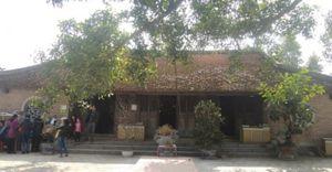 Đầu năm đi lễ Đền Nhược Sơn thờ danh tướng thời Trần