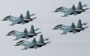 Nga bất thần xuất binh rầm rộ, Mỹ-NATO giật mình