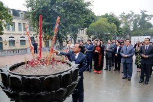 Lãnh đạo TP Hà Nội dự Lễ phát động Tết trồng cây tại quận Hoàn Kiếm