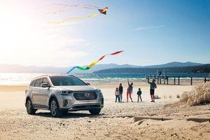 Diện kiến Hyundai Santa Fe 2017 với diện mạo mới