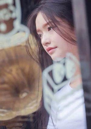 Cận cảnh nhan sắc nàng thơ 9X mới của Châu Tinh Trì