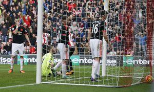 Man Utd tiếp tục thua bạc nhược