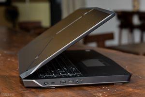 Đánh giá Dell Alienware 17 R3 - Vũ khí mới của game thủ