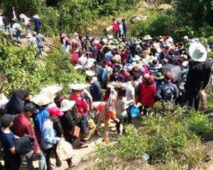 Hà Tĩnh: Chùa Hương tích đón hàng ngàn người ngày khai hội