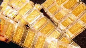 Giá USD, giá vàng 'rủ nhau' tăng sau Tết