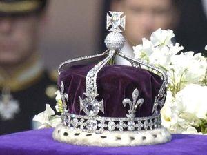 Kim cương mang lời nguyền trên vương miện Nữ hoàng Anh