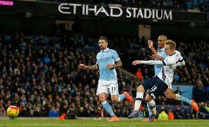 Sai lầm cá nhân, Man City tiếp tục ôm hận trước Tottenham