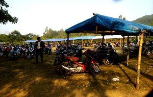 Hàng nghìn người đổ về xin nước thánh tại phủ Na, Thanh Hóa