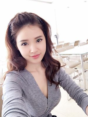 """""""Soi"""" nhất cử nhất động của sao Việt (14/2)"""
