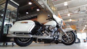 Hai phiên bản Harley-Davidson Cảnh sát Mỹ về Việt Nam, dành cho giới sưu tầm là chủ yếu