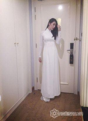 Thủy Tiên bị 'ném đá' vì chụp ảnh áo dài trong nhà vệ sinh