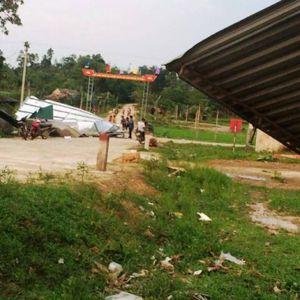 Hà Tĩnh: Lốc xoáy làm 3 người bị thương, hơn 500 ngôi nhà bị tốc mái