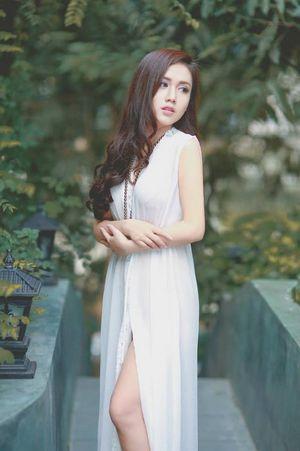 Hoa khôi Nguyễn Thu Trang khoe vẻ đẹp thuần khiết