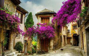 Những ngôi làng đẹp lãng mạn như chốn thần tiên