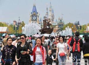 Disneyland Thượng Hải ngập rác trước ngày mở cửa