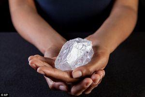 Ngắm viên kim cương 3 tỷ năm tuổi