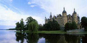 Những tòa lâu đài đẹp nhất thế giới