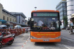 """Trải nghiệm xe buýt """"5 sao"""" của Thủ đô"""