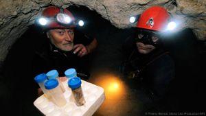 Có gì bên trong hang động cách biệt với thế giới 5,5 triệu năm qua?