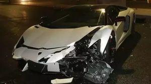 Tài tử Trung Quốc đâm hỏng siêu xe Lamborghini trị giá 27 tỷ Đồng