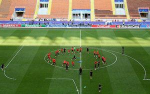 Cận cảnh HLV Simeone rèn quân trước trận chiến sinh tử với Real