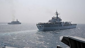 Cận cảnh hai chiến hạm Ấn Độ sẽ đến thăm cảng Cam Ranh