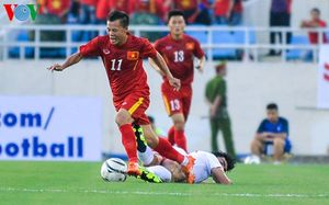 Trực tiếp ĐT Việt Nam 1-0 Syria: Công Vinh đánh đầu ghi bàn