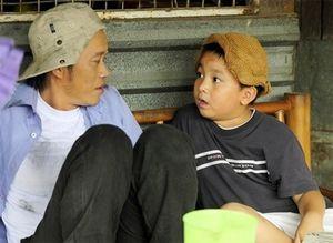 Những cô, cậu bé con nuôi nổi tiếng của sao Việt