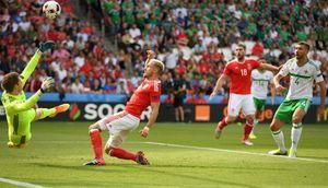 Euro 2016 Xứ Wales 1 – 0 Bắc Ireland: Tội đồ đốt lưới