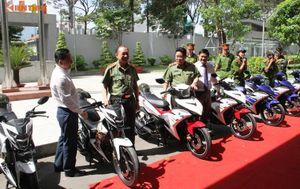 """""""Soi"""" 100 xe môtô đặc chủng của Cảnh sát SBC TP HCM"""