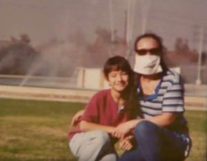 12 năm che mặt, bà mẹ đau đớn khi con gần như quên mặt mình