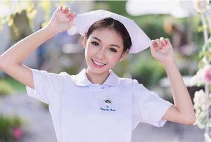 Nữ y tá Thái Lan xinh đẹp đến nỗi bạn chỉ muốn ngắm mãi