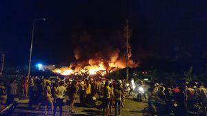 """Hơn 600 Cảnh sát PCCC đang chiến đấu với """"giặc lửa"""" trên đất Cảng"""