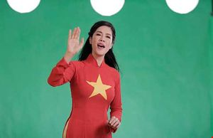 Hàng ngàn người Việt hát phản ứng bá quyền Trung Quốc