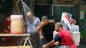 Người dân Baghdad tìm mọi cách chống lại 'cái nắng gay gắt' mùa hè