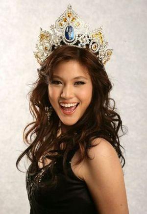 Khổ sở vì bị chê xấu, Hoa hậu Thái Lan lột xác khiến khán giả mắt tròn mắt dẹt